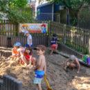 a Sandkasten im Garten